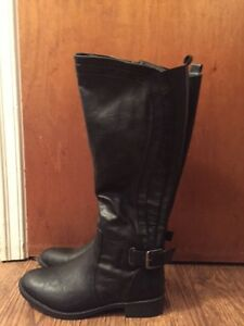 Ladies Size 9 Tender Tootsies black boot