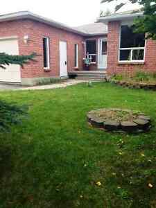 House for rent in Midland (Available for Dec 1st,2016)