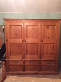 2 beautiful wardrobes in excellent condition