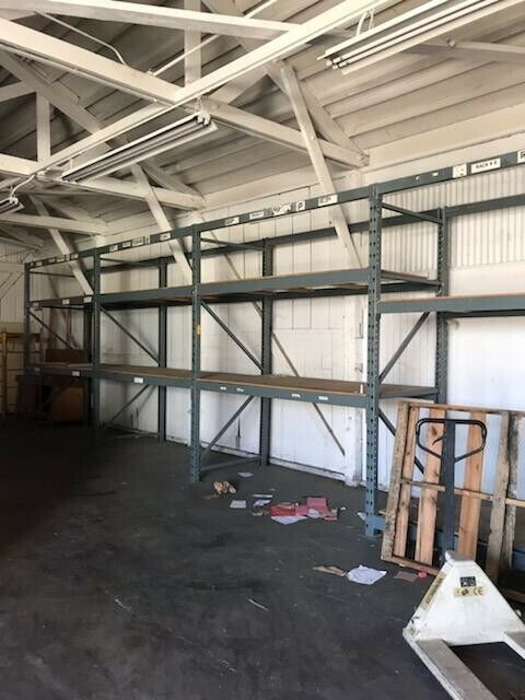 Teardrop Pallet Rack Upright - 10ft