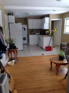 Room for rent in 3 bedroom home
