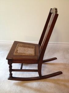 Antique Nursing Rocker Stratford Kitchener Area image 3