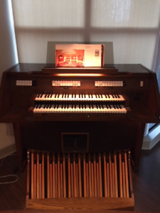 2 manual organ with pedalboard and bench