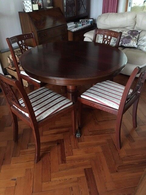Circular Extending To Oval Dining Table 6 Chairs