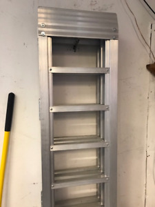 ALUMINUM RAMP FOLD OUT
