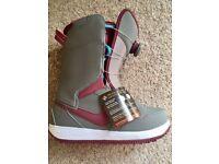 Nike Vapen BOA Snowboard Boots Size UK 4 EU 37 Brand New