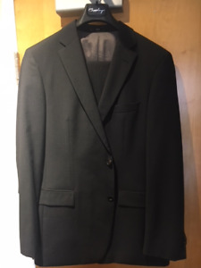 Hugo Boss 42L men's suits