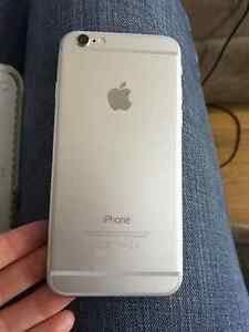 MINT CONDITION silver iPhone 6 - 16gb with rose gold LUMEE case Peterborough Peterborough Area image 2