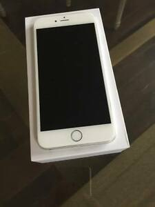 I PHONE 6 PLUS  FACTORY UN LOCKED SILVER 16 GB