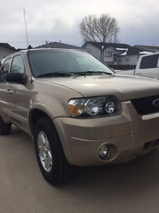 2007 Ford Escape V6 LIMITED SUV, Crossover