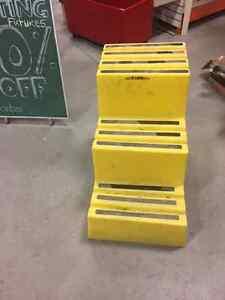 Industrial 3 step ladders Regina Regina Area image 2