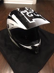 Fox V1 BMX youth helmet, very good condition.
