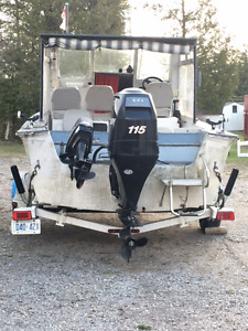 19 foot fiberglass boat 2 motors and Trailer
