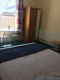 Large nice spacious clean double room in Camberwell opposite Art College inc bills