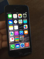 Iphone 5 black 16 GB... in mint condition
