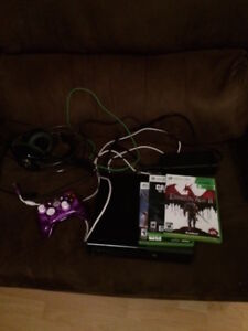 Xbox 360 w/ wired controller, 3 games and headset