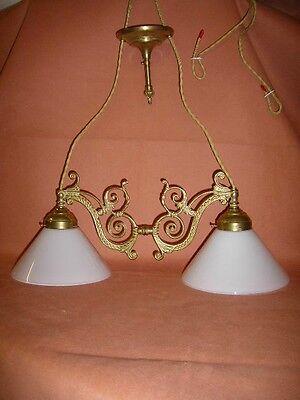 Hängelampe mit Glas Lampenschirmen aus Opalglas