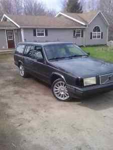 Looking for this 1995 Volvo 940 wagon.