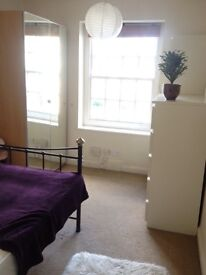 LARGE SINGLE ROOM WITH DOUBLE BED