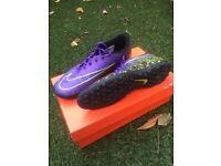 Nike Hypervenom ASTRO Boots - size 7