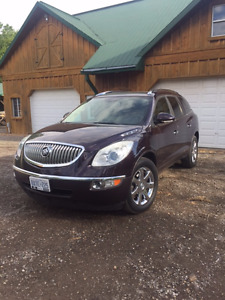 2008 Buick Enclave CXL. LEATHER. DVD. DOUBLE SUNROOF. SAFETIED