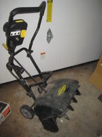 Smaller snow blower in mint condition 50 firm FREE DELIVERY