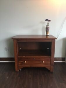 Ethan Allen stand/table with drawer