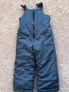 Carter's Insulated Snow Bib Pants, size 4T, navy colour