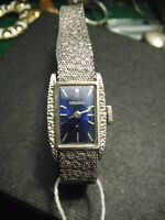 Ladies Seiko, hand wound Keeps time well (Used)