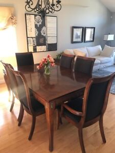 Canadian Made Art Shoppe Dining Table Chairs And Sideboard
