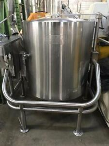 Steam Kettles few in stock , Garland, 60 Gallon, Tilting   model KT60E, Groen 40 gallon gas