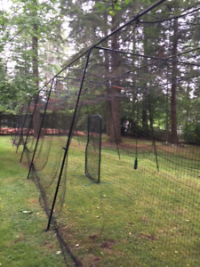 Batting cage - Hours of fun in your cage & pitching machine