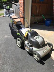 Cordless Lawn Mower - Earthwise