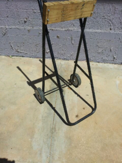 Outboard motore stand