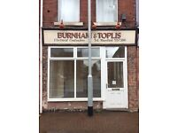 Small commercial shop available to rent straight away in Sutton in Ashfield