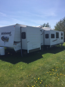 2014 Wildwood 402 QBQ (financing available $194  bi-weekly