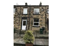 2 bedroom house in Commercial Street, Huddersfield, HD7