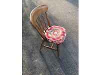 Antique pine Smallbone of Devizes 6ft round pedestal table with 6 chairs and cushion set