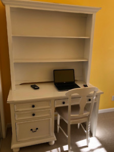 Desk and Bookcase/Hutch