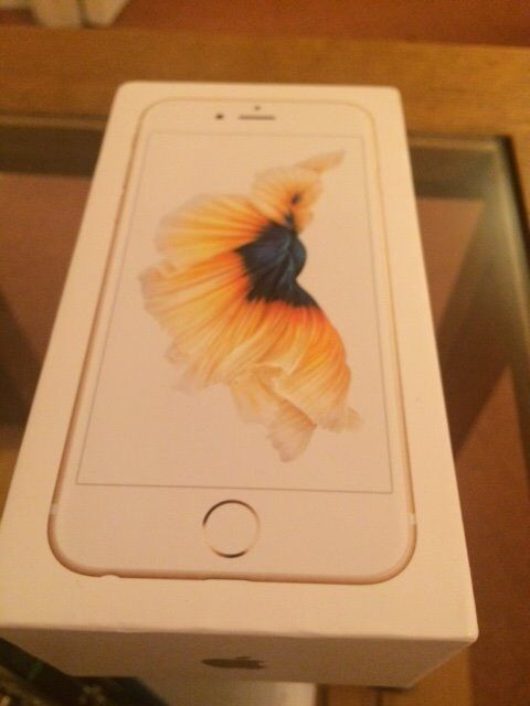 Brand New Apple iphone 32gb Gold (unlockedin Greenwich, LondonGumtree - A brand new phone from O2. unlocked. unwanted upgrade. New & unused. box opened to insert different network sim and add unlocking code from O2