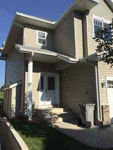 Great Townhome Condo In Beaumont Available Immediately !!