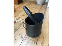 Small black coal scuttle - 21cm diameter.