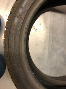 pneus d'hiver 245/45/R20