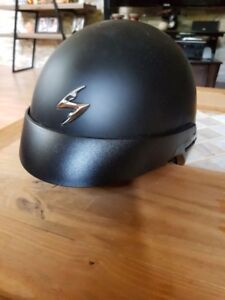 Motorcycle helmet with small pull down visor