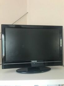 "16"" TOSHIBA TV/DVD PLAYER"