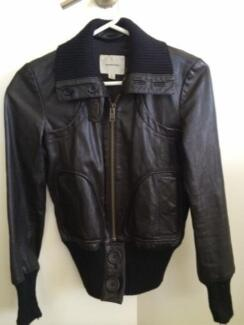Ladies country road leather jacket Victoria Point Redland Area Preview