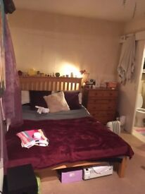 2 Lovely double rooms both with en suite bathrooms, FF, amazing house, quiet road