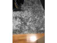 Like New Luxury Large Pile Rug 230 cm x 160 cm