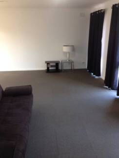 Bungalow to rent 1 Bedroom, 10 minutes walk to Hoppers Station Hoppers Crossing Wyndham Area Preview