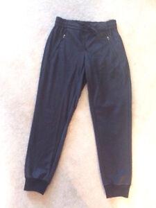 NEW - Joe Fresh Pants - Slimming & Comfortable.  Size Xsmall